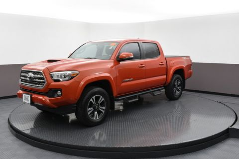 Pre-Owned 2016 Toyota Tacoma TRD Off Road